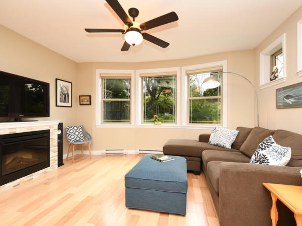 Sunny Fairfield Town home for sale