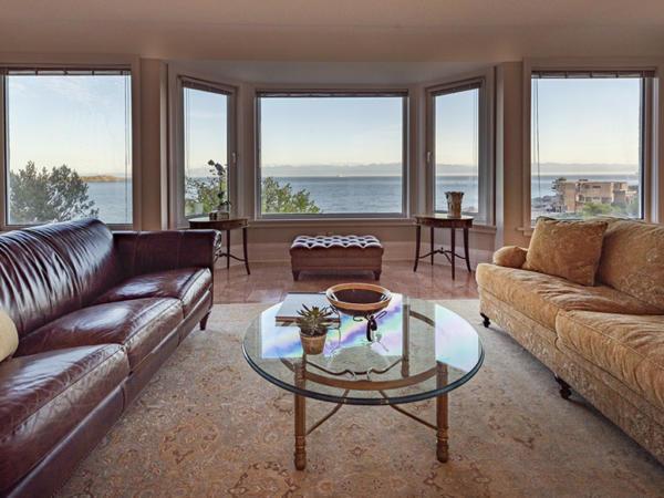 KingGeorge-523-livingroom