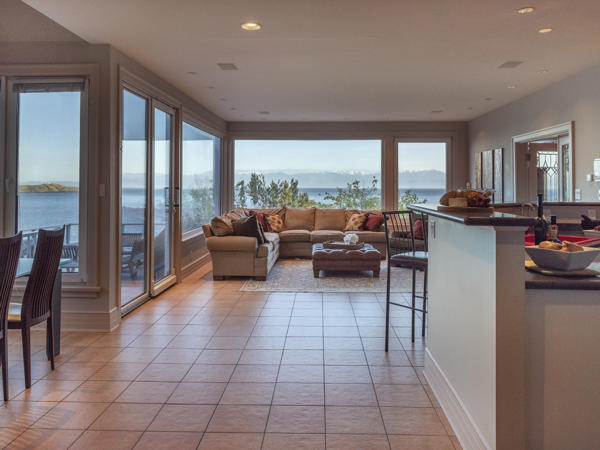family room water view Bay